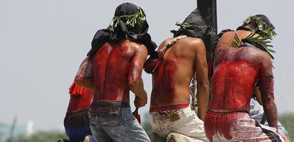 http://wolnemedia.net/obrazki/filipiny_biczowanie.jpg
